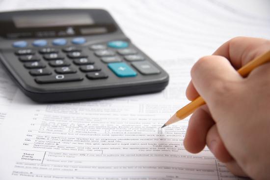 ИСТРАЖУВАЊЕ: Фирмите што склучиле договори за јавни набавки просечно чекаат по шест месеци за наплата