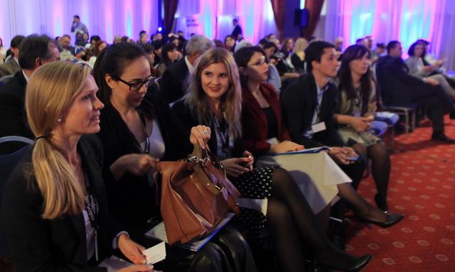 (ГАЛЕРИЈА) ЗАСЛУЖЕНО ДО ЕВРОПСКИ БРЕНД ЗА СОВРЕМЕНОТО СВЕТСКО ПРАВО — огромен аплауз за Академик Конференцијата за правни ризици