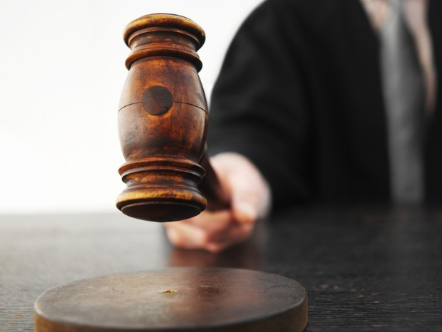 """ЗАПРЕНА ПОСТАПКАТА ЗА ПЕТМИНА ОСОМНИЧЕНИ ВО """"ЈУСТИЦИЈА"""" — Тројца судии  вратени на работа"""