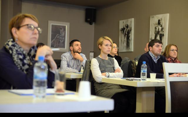 Академик одржа еднодневна обука за јавни набавки наменета за договорни органи