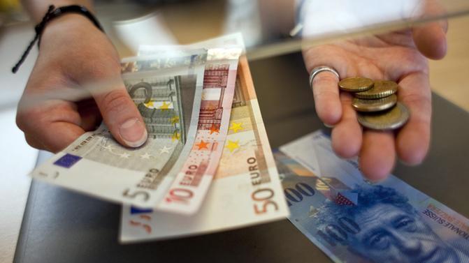 МИНИСТЕРСТВО ЗА ФИНАНСИИ: Да се одложи примената на задолжителната задолжница