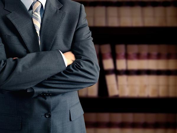 """ЗАШТИТА НА АДВОКАТУРАТА: Адвокатската тарифа не се менува на """"обуки"""" на судии – таа е во исклучива надлежност на УО на АКРМ"""
