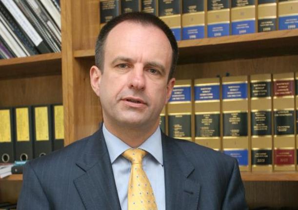 БОРИСЛАВ БОЈАНОВ, водечко име на бугарската адвокатура, предавач на Конференцијата за правни ризици
